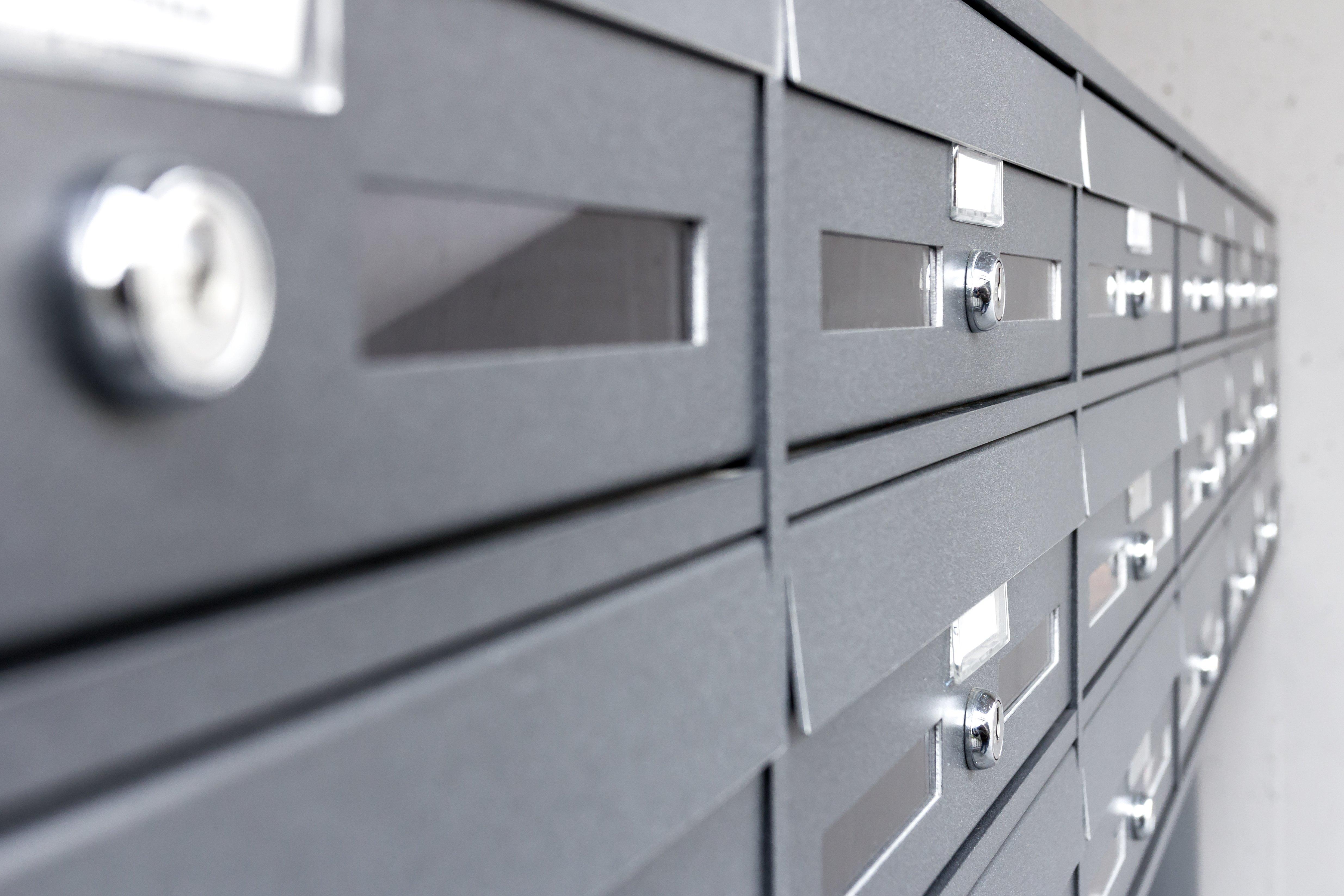 condominium-mailboxes-PDY8UET